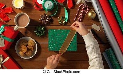 choisir, emballage, arc, mains, cadeau, noël