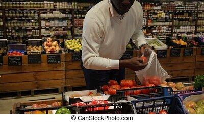 choisir, homme, américain, magasin, nourriture, organique, ...