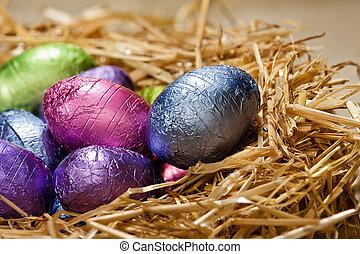 choklad påsk eggar, in, a, naturlig, sugrör, bygga bo