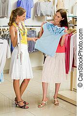 Choosing fashionable clothes