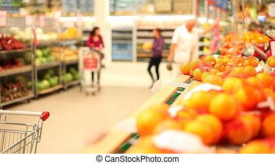 choosing, oranges