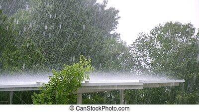 chovendo, sobre, um, branca, telhado, em, um, furacão, tempestade