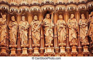 jesus, Christ, Disciples, St. Peter, St. John, Statues Golthic Cloister Monestir Monastery of Montserrat, Barcelona, Catolonia, Spain. Founded in the 9th Century, destroyed in 1811 when French invaded Spain. Rebuilt in 1844 and now a Benedictine Monastery. Placa de Santa Maria