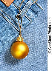 Christmas ball instead of price tag