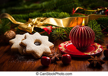 Christmas candle with cookies