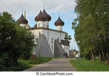 Christmas cathedral in Kargopol, Russia - View of ancient ...