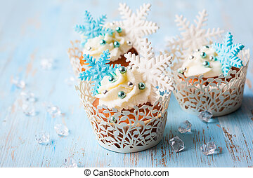 Christmas cupcakes - Festive Christmas cupcakes decorated...