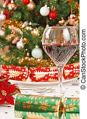 Christmas day - Chistmas crackers, christmas tree and a...