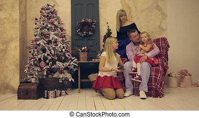 Christmas family photo shoot indoors - Christmas family...