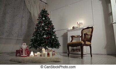 Christmas living room. - Decorated Christmas tree and gift...