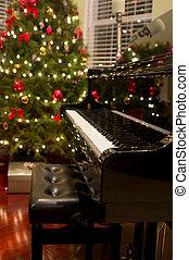 Christmas Piano - Baby grand piano with Christmas tree & ...