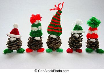 Christmas pine gnome, Xmas pinecone, gift - Christmas pine...