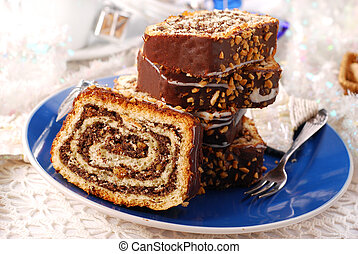 christmas poppy cake with nuts