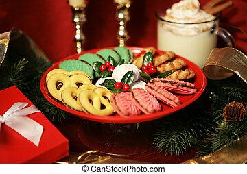 Christmas Treats - A plate of beautiful Christmas cookies ...