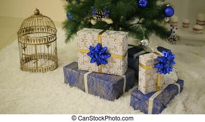 Christmas tree anf gifts