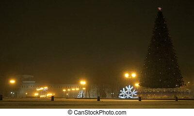 Christmas tree blinking at night - New Year's mood -...
