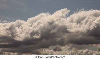 chronocinématographie, droit, &, signe, mal, vert, manière, manière, majestueux, dépassement, clouds., route