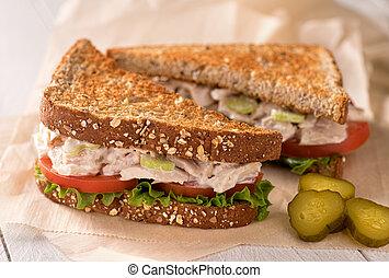 chunky, sandwicz, tuna sałata