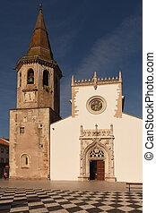 Church of Saint John the Baptist and Republic Square, Tomar...