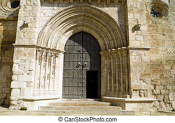 Church of San Felipe, built in the S. XIII transitional Romanesque to Gothic. Brihuega, Spain