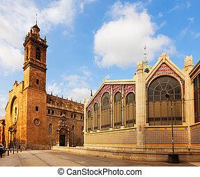 Church of Santos Juanes and Mercado Central in Valencia