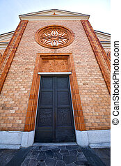 church   the vergiate old   closed