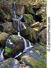 chute eau, enfumé, montagne, parc national