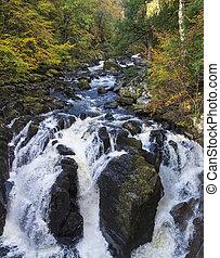 chute eau, linn, ecosse, perthshire, noir