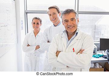 ciência, estudantes, e, conferencista, sorrindo, câmera