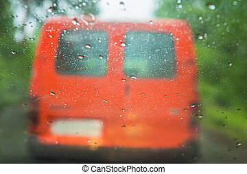 ciężki, wóz, za, szyba przednia, deszcz
