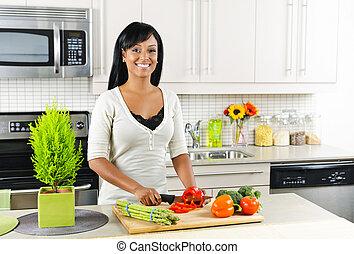 cięcie zielenina, kobieta, młody, kuchnia