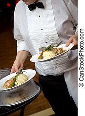 cibo, cameriere, servito, essendo, matrimonio