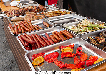 cibo cucina, strada, festival, metallo, contenere, contatore, salsicce, vassoi, cotto ferri, apparecchiatura, meat.