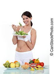cibo sano, donna mangia