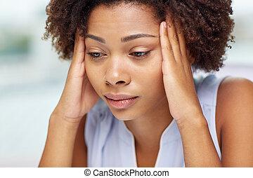 cicatrizarse, de, africano, mujer joven, conmovedor, ella,...