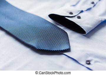 cicatrizarse, de, camisa, y azul, modelado, corbata