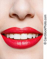 cicatrizarse, de, hembra, sonriente, labios rojos