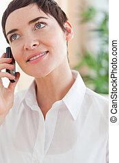 cicatrizarse, de, un, guapo, mujer, con, un, teléfono celular