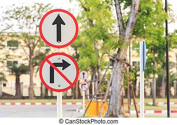 cicatrizarse, redondo, señal de tráfico, sobre el calle