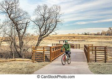 ciclista, ligado, um, recentemente, constructed, bicicleta, rastro
