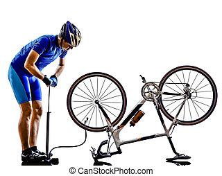 ciclista, reparación, bicicleta, silueta