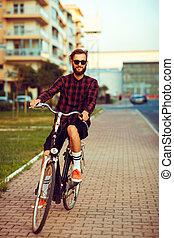 cidade, óculos de sol, jovem, bicicleta, rua, montando, ...