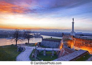 cidade, capital, sérvia, belgrado, vitória, estátua,...