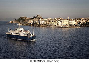 cidade, corfu, island), aéreo, bote, balsa, (greek, leaving., vista