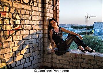 cidade, menina, fundo, sentando