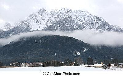 cidade, montanhas, grande, norte, toblach, ital, neve
