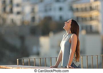 cidade, mulher, ar, respirar, fresco, feliz