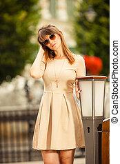 cidade, mulher, rua, turista, ao ar livre, moda