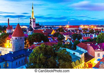 cidade, noite, antigas, estónia, tallinn, vista