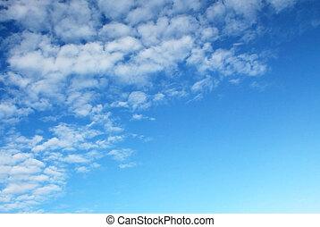 ciel bleu, à, nuage, contraste élevé